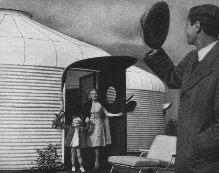DDU (Dymaxion Deployment Unit) разрабатывался Фуллером как для военных целей, так и для гражданского жилья.