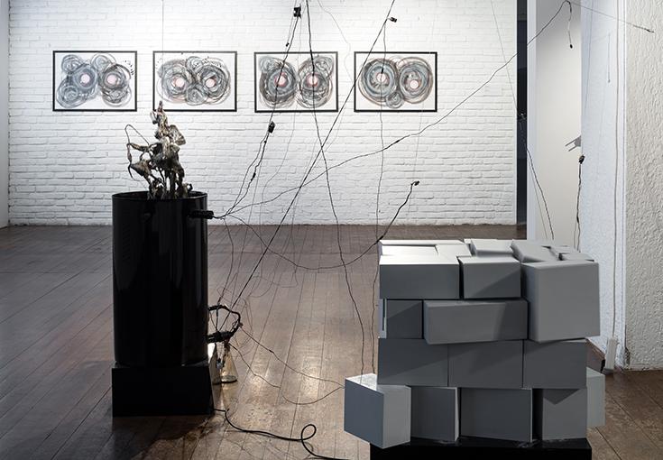 Дмитрий Каварга. Объект-антиобъект. Суперпозиция, 2014, роботизированные объекты.