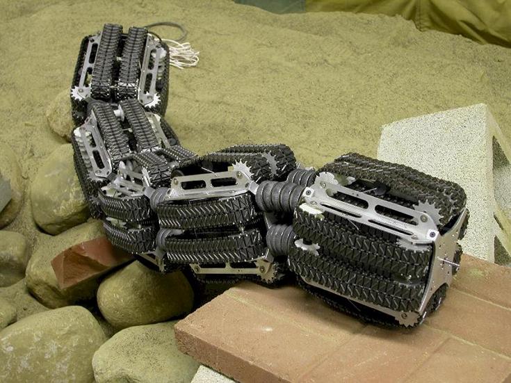Робот - земляной червь
