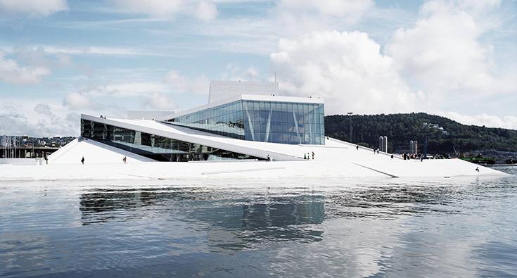 Здание Национальной норвежской оперы по проекту Snohetta