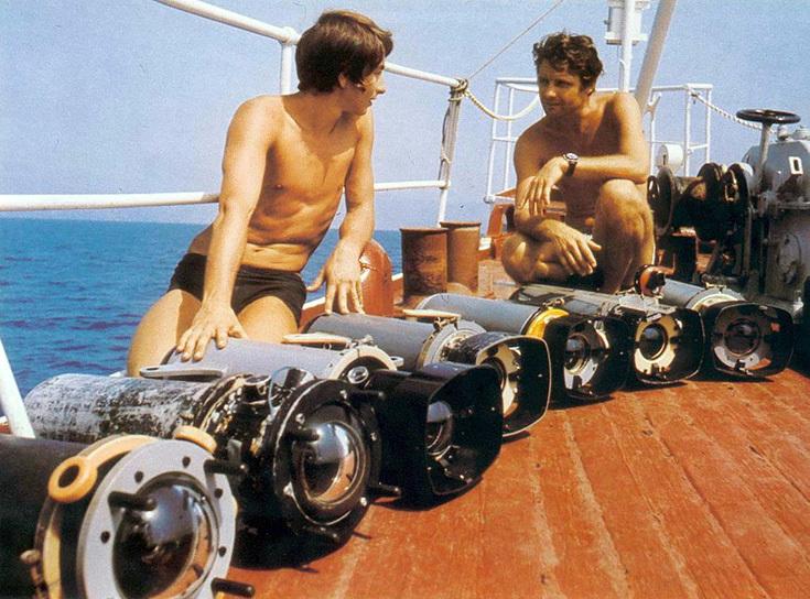 Ив Омер с камерами, готовыми к съемкам